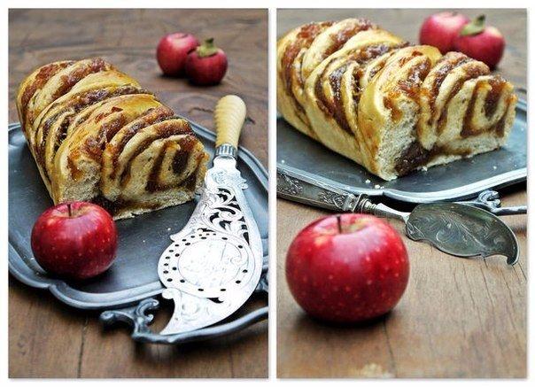 Сладкий хлеб с яблочным мармеладом.