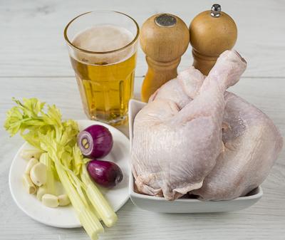 Куриные голени с вишней и кедровыми орешками