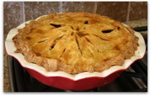 Яблочный пирог по рецепту старорусской кухни