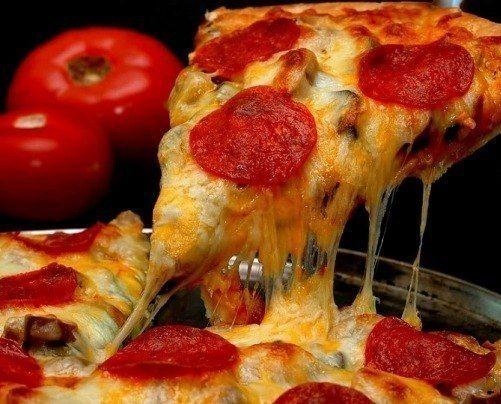 Пицца с вкусным краешком