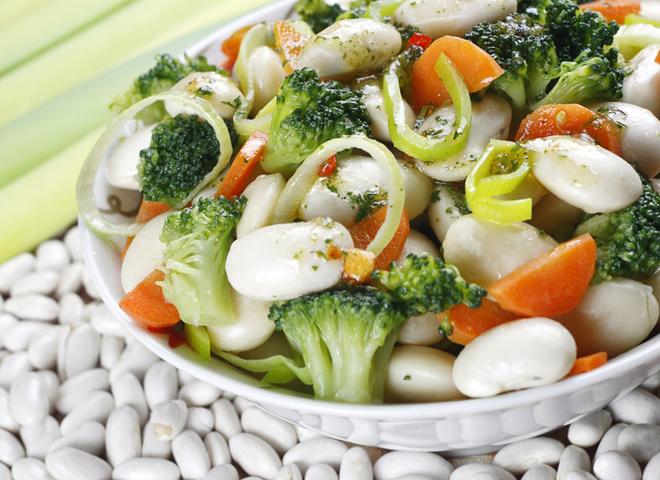 Что приготовить из фасоли: рецепт диетического салата