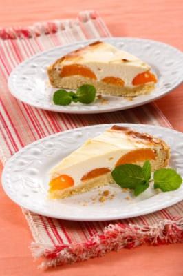 Творожный пирог с абрикосами: рецепт нежной летней выпечки
