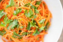 Салат из ветчины с сыром и корейской морковкой
