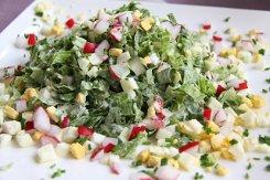 Летний салат с редисом и мясом