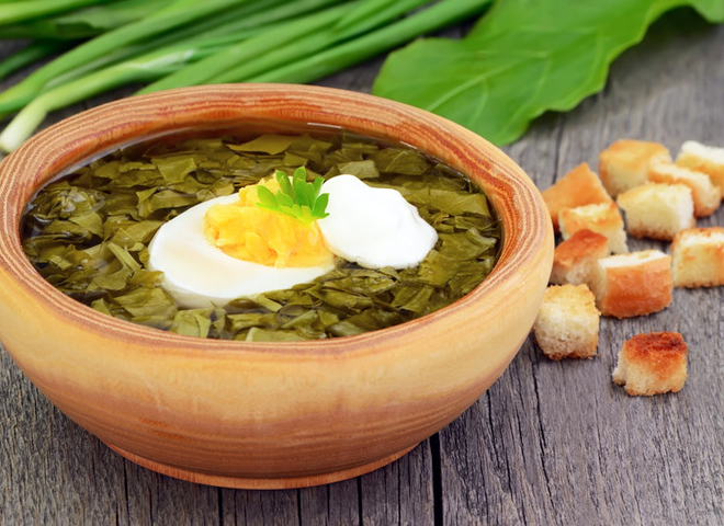 Щавелевый суп: рецепт на курином бульоне