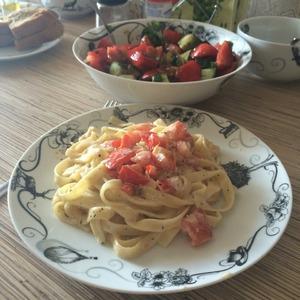 Паста в томатно-сливочном соусе с прованскими травами