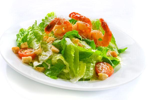 Салат корн с телятиной и пармезаном