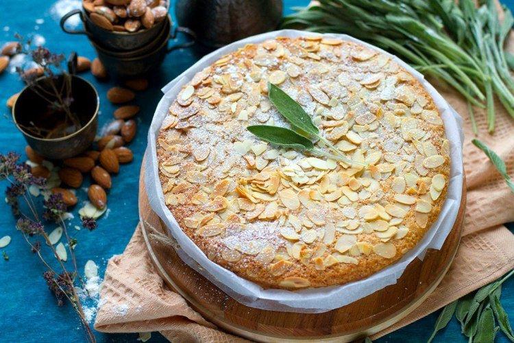 Чудесный миндальный пирог — без яиц и сливочного масла!