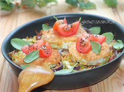 Жареная китайская капуста с фасолью