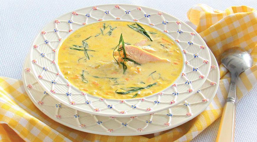 Нежный рисовый суп с курицей и базиликом