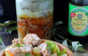 Тушенка из свинины с барбарисом