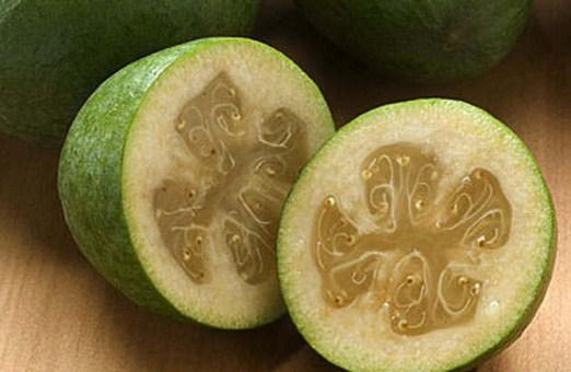 Фейхоа. Несколько идей для зелёной ягоды.