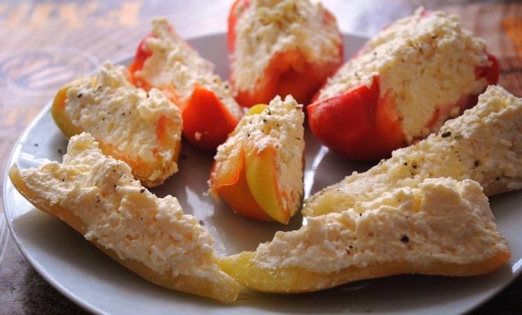 Лодочки с начинкой из тунца