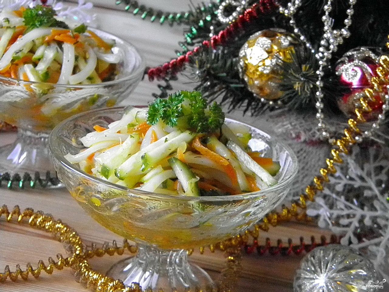 Салат «Новогодний» с кальмарами