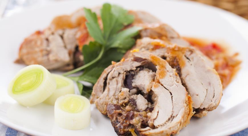 Картошка со свининой по деревенски в духовке рецепт
