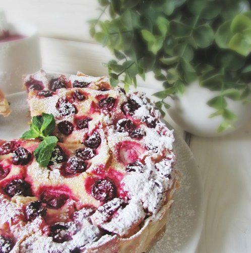 Творожно-ягодный ленивый пирог