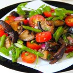 Теплый салат со спаржей