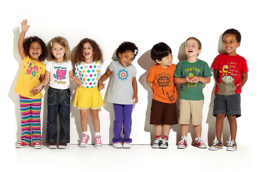 Покупки детской одежды онлайн: в чем преимущества