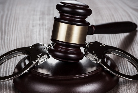 Адвокат по уголовным делам – помощь в самых безвыходных ситуациях