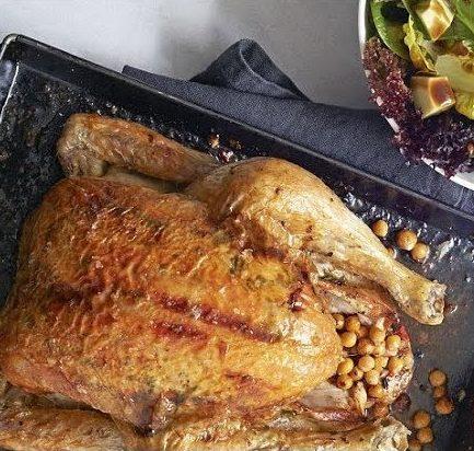 Цыпленок, фаршированный нутом
