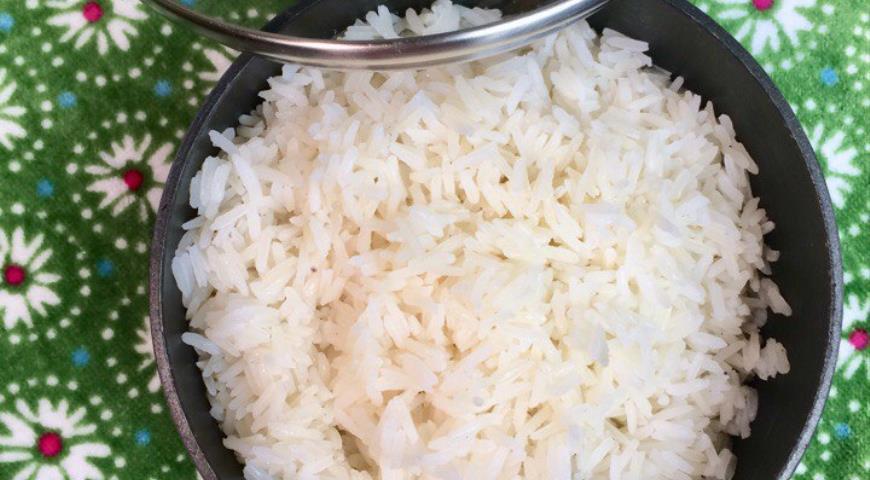 Рис жасмин отварной на курином бульоне со сливочным маслом