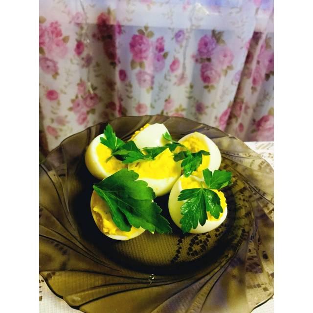 Закуска «Фаршированные яйца»