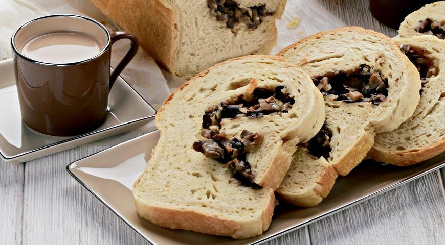 Пирог-бриошь с грибами