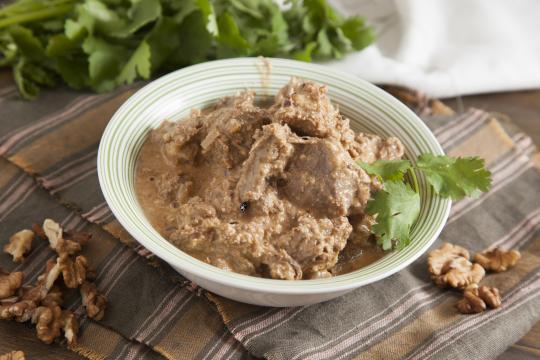 Мясо в ореховом соусе по-грузински