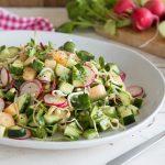 Салат с огурцами, редисом и дыней