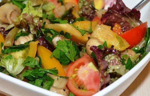 «Мажор» — теплый салат с креветками и шампиньонами