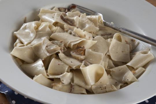 Папарделле с соусом из белых грибов