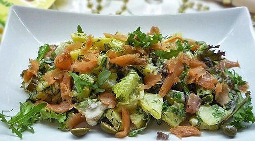 Картофельный салат с красной рыбой