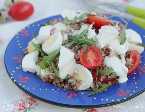 Гречневый салат с перепелиными яйцами