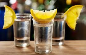 Немного об истории крепких алкогольных напитков