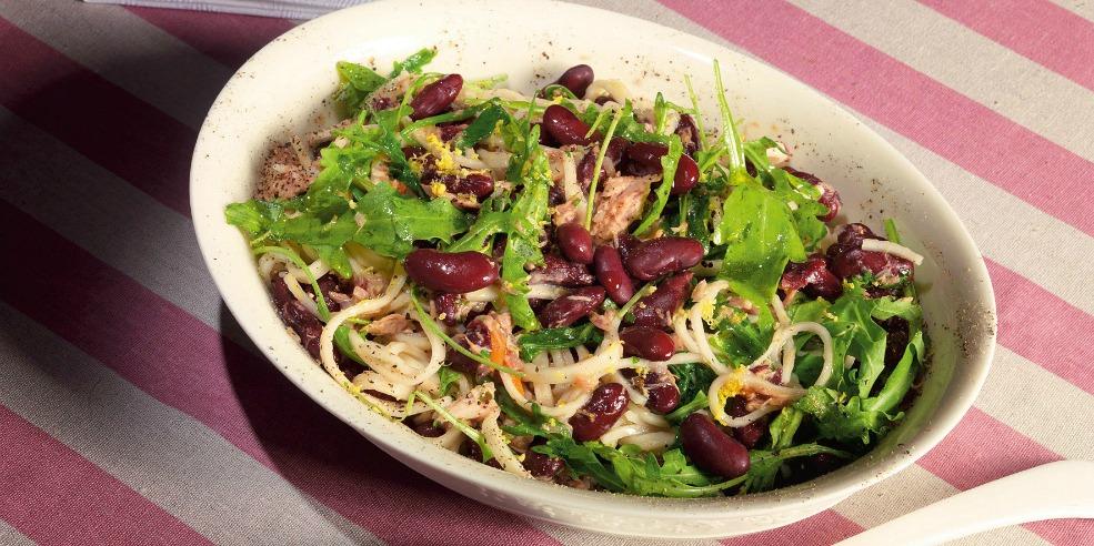 Салат с рукколой и фасолью