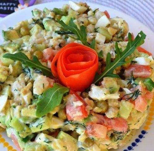 Рыбный салат Цветик