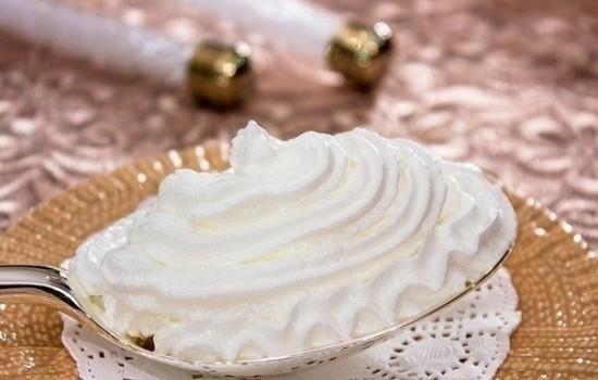 Домашний крем на сиропе для выпечки