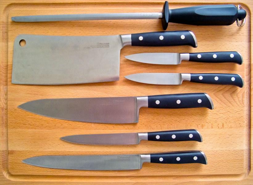 Колоды для ножей: стиль и универсальность