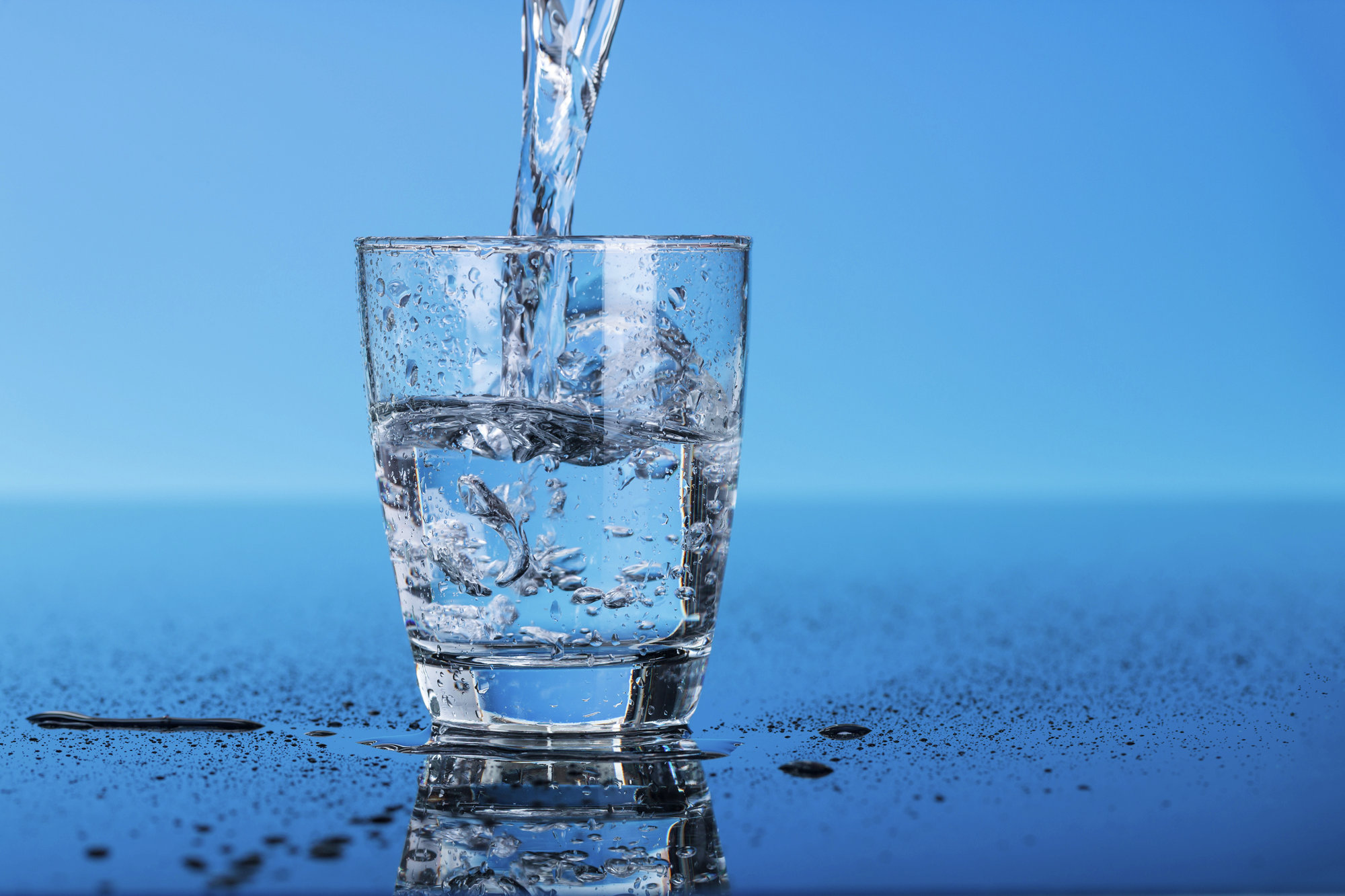 Пейте чистую воду от «Аква Голд»!