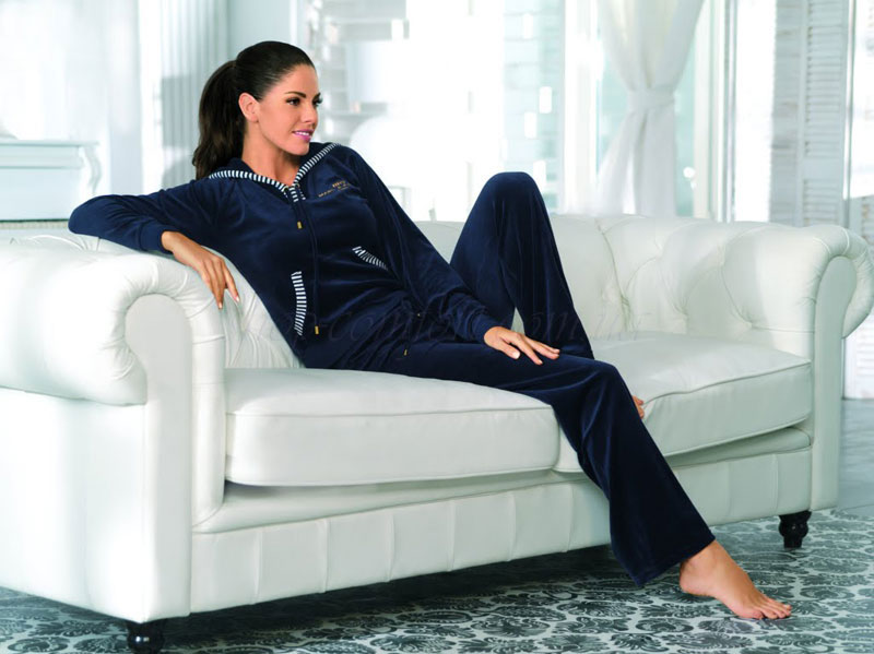 Велюровый костюм для дома: комфорт в каждой детали