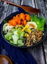 Салат – боул с чечевицей и грибами