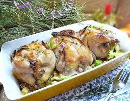 Цыплята-корнишоны с травами и лимоном