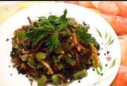 Морская капуста с фасолью