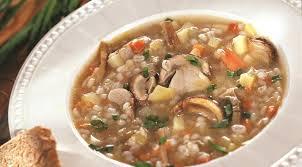 Постный суп с перловкой и базиликом
