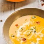 Сливочный кабачковый крем-суп с сыром и окороком