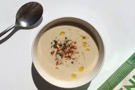 Пряный суп-пюре с цветной капустой и миндалём