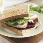 Сэндвич с шинкой и свеклой