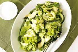 Салат с авокадо ,пекинской капустой и огурцами