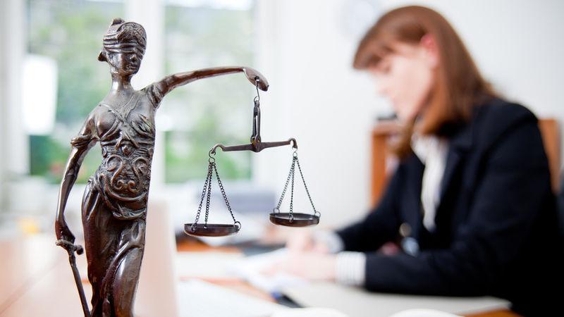 Когда необходимо задать вопрос юристу?