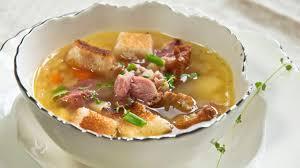 Гороховый суп с копченной свиной рулькой